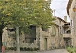 Location vacances Charols - Holiday home La Garde d´Adhemar C-1