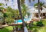 Location vacances  Guadeloupe - Villa Piscine et Iguanes en bord de mer proche plages marina et golf-1