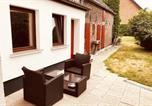 Location vacances Bornheim - Gemütliches Einfamilienhaus mit Gartennutzung in Troisdorf-1