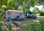 Camping avec Piscine Montreuil-Bellay - Huttopia Saumur-1