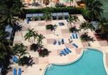 Hôtel Sunny Isles Beach - Sunny Isles Ocean Reserve Three Bedroom Condo Apartments-1