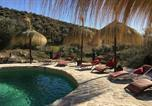Location vacances Moraleda de Zafayona - Orozca Farmhouse. Lagoon Pool with Retro Hot Tub.-1