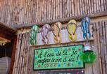 Camping avec Piscine couverte / chauffée Hyères - Camping Lou Pantaï-1