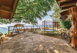 Location vacances Castello Tesino - Three-Bedroom Holiday Home in Lamon-2