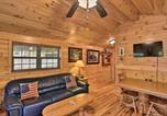 Location vacances Bridgeport - Anchors Away Cabin Hideaway with Fire Pit!-1