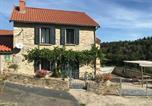 Location vacances Saugues - Gîte Pinols, 3 pièces, 4 personnes - Fr-1-582-270-1