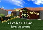 """Hôtel Saint-Michel-Mont-Mercure - Chez les """"e;J""""e;-Folais-1"""