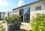 Location vacances Anguerny - Maisonnette avec terrasse à 50m de la plage - Ménage renforcé-2