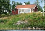 Location vacances Norrköping - Four-Bedroom Holiday home in Åtvidaberg-3