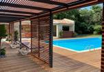 Location vacances Grimaud - Magnifique villa avec piscine au coeur des vignes-3