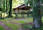 Location vacances Rocroi - House with 4 bedrooms in Viroinval with furnished terrace and Wifi-1