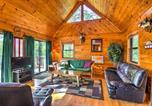 Location vacances Williamstown - Hocking Hills Lake Cabin with Hot Tub, Deck and Dock!-1