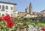 Location vacances  Province d'Arezzo - Stunning apartment in Monte San Savino w/ 2 Bedrooms-1