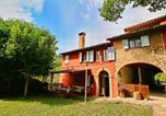 Location vacances  Province d'Ancône - Cozy Villa in Fabriano Italy with Swimming Pool-1