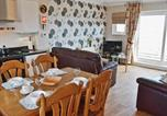 Location vacances Dalton-in-Furness - Bay View-1
