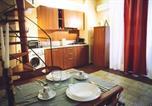 Location vacances  Ville métropolitaine de Catane - Finocchiaro Aprile Guest House-4