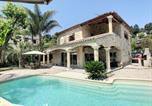 Location vacances Villeneuve-Loubet - Superbe villa avec piscine au bord du fleuve-1