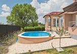 Location vacances Ružić - Two-Bedroom Holiday Home in Badanj-4