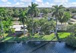 Location vacances Sunrise - Waterfront Newly Renovated 4 Br Home with Hot Tub-2