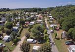 Camping avec Quartiers VIP / Premium Plounévez-Lochrist - Flower Camping de Kerleyou-1