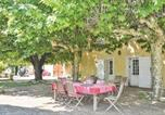 Location vacances  Bouches-du-Rhône - Nice home in Meyreuil w/ Outdoor swimming pool, Outdoor swimming pool and 4 Bedrooms-4