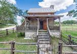 Location vacances Kerrville - Wolf Creek Guest Ranch cabin-2