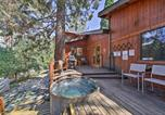 Location vacances Fontana - Wrightwood House with Fire Pit - Hike and Ski Nearby!-1