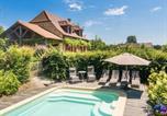 Location vacances Hautefort - Cozy Villa in Saint-Medard-d'Excideuil with Swimming Pool-1