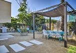 Location vacances Ventura - Remodeled Ventura Beach Home with Yard and Fire Pit!-1