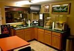 Hôtel Stillwater - Hwy Express Inn & Suites-1