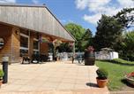 Camping avec Hébergements insolites Bourgogne - Camping Huttopia Etang de Fouché-1