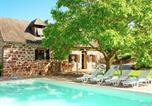 Location vacances Hautefort - Holiday Home Maison Olivier-1