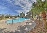 Location vacances Galveston - New-Galveston Condo w/Pool Access-Steps from Beach-2