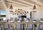 Location vacances Torre Santa Susanna - Manduria Villa Sleeps 8 Pool Air Con Wifi-4