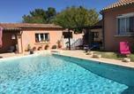 Location vacances Lagnes - Agréable Maison de Vacances avec Piscine Privée, située à Robion au cœur du Luberon, avec une jolie vue, 8 personnes, Ls2-293 Pasco-2