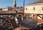 Location vacances  Ville métropolitaine de Venise - Venice Homes & Holidays-1