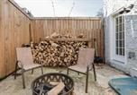 Location vacances Langhorne - Urban Lodge, Rustic-Chic Retreat Steps from Frankford Avenue-4