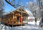Camping Savoie - Les chalets Huttopia de Bourg-St-Maurice-4