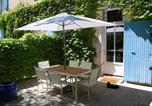Location vacances Cavaillon - La Bastide Des Joncquiers-1