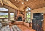 Location vacances Salida - Riverfront Retreat on 40 Acres with Mountain Views!-4