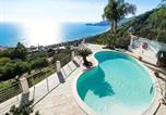 Location vacances Mongiuffi Melia - Letojanni Villa Sleeps 7 Pool Air Con Wifi-4