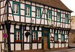 Location vacances Bornheim - Hotel Zum Schwan, Garni Weilerswist-Metternich-1
