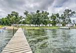 Location vacances Fergus Falls - Dent Resort Cabin - Ultimate Star Lake Escape-3