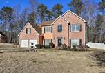 Location vacances Snellville - Spacious Lilburn Family Home with Private Yard!-1