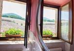 Location vacances  Province de Macerata - Country House Le Calvie-1