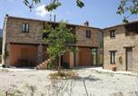 Location vacances Montefortino - Zona Artigianale Callarella Villa Sleeps 3 Pool-3