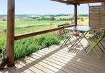 Location vacances Pouy-Roquelaure - Chalet with 2 bedrooms in Pauilhac with wonderful mountain view shared pool and furnished garden-1