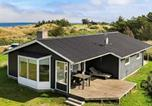 Location vacances Hjørring - Two-Bedroom Holiday home in Hirtshals 2-1