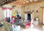 Location vacances Longué-Jumelles - Holiday Home La Brosse-2