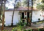 Location vacances Teba - Rural Apartments overlooking the Lake.-1